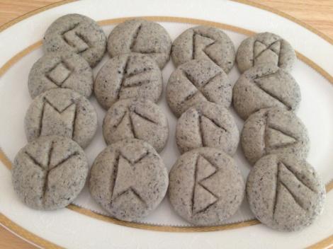 Rune Cookies 01
