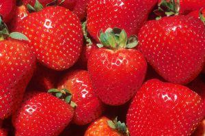 1024px-Strawberries