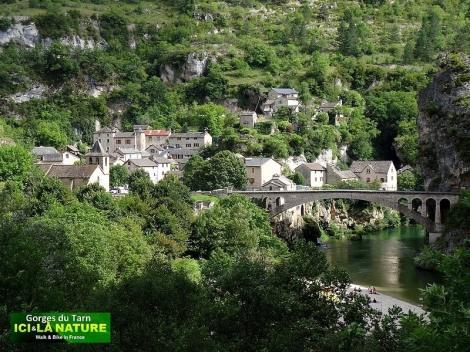 02-walking-mountain-tarn-france