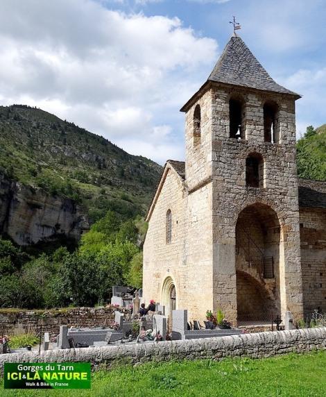08-church-dans-les-gorges-du-tarn