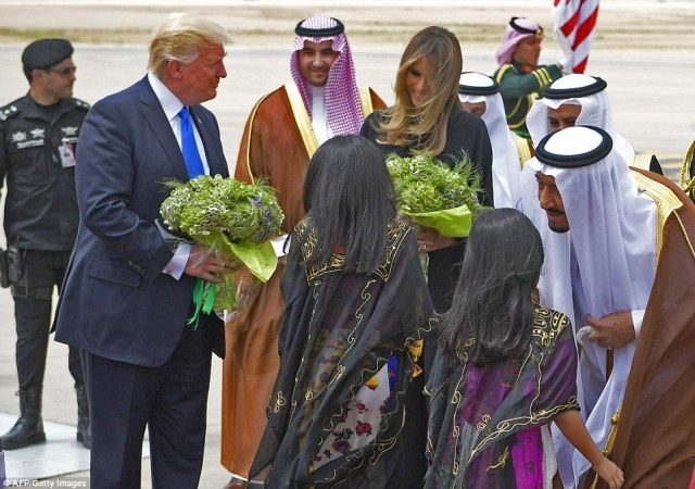 Image result for photos of trump visiting saudi arabia