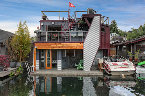 A Porthole Into Houseboats as 'Sleepless in Seattle' Turns 25