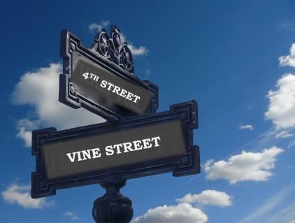 4th n Vine Sign